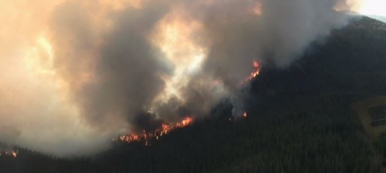 aerial-shot-of-harrop-creek-wildfire-july-31-2017